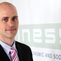 Juraj Karpiš: Banky a štát sú v jednej posteli