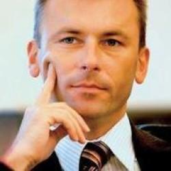 Ľudo Kaník: Mimo Eurozóny by nám možno bolo lepšie